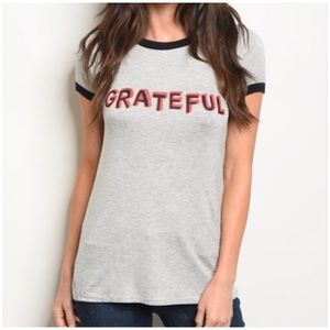 "GRAY ""GRATEFUL"" GRAPHIC TEE"